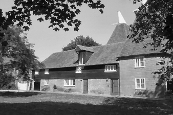 You can book the Oast, the old tannery and ellens cottage online by either filling in the online form, printing it out and sending it along with your cheque or using our secure online payment system for credit card payments